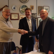 Ondertekening contract orgelmaker Hans Reil